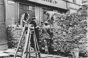 _en_budowa_muru_getta_1940.jpg