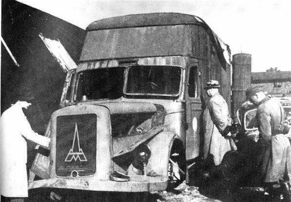 _en_Destroyed_Magirus-Deutz_furniture_transport_van_Kolno_Poland_1945.jpg