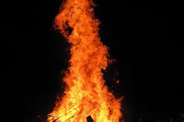 Lag_BaOmer_bonfire.jpg