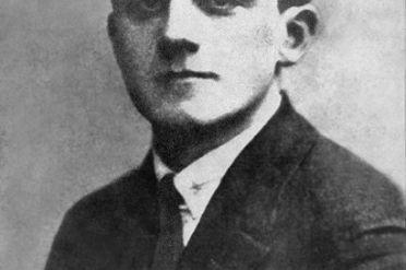 EmanuelRingelblum_1900-1944.jpg