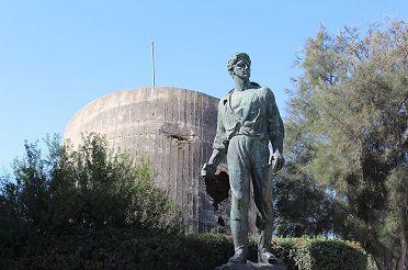 Anielewicz_statue_in_Yad_Mordechai_IMG_6829.JPG