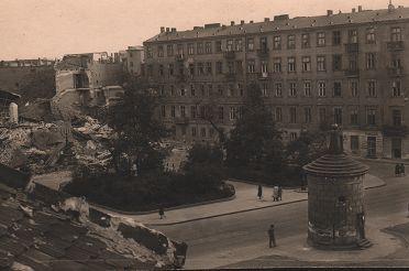 7._Ruiny_Wielkiej_Synagogi_po_16.05.1943r_001.jpg