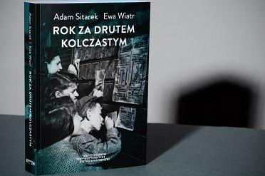 rok_za_drutem_okladka.jpg