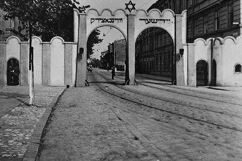brama_getto_kraków_limanowskiego_1941.jpg [50.88 KB]